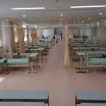 はじめて看護専門学校の看護教員(専任教員)になるなら、大規模校(複数クラス)と小規模校(1クラス)のどちらがいいのか?
